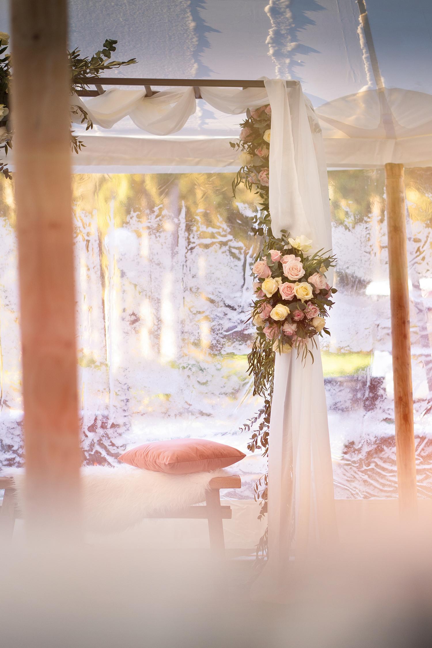 Bloemstyling maakt je bruiloft compleet