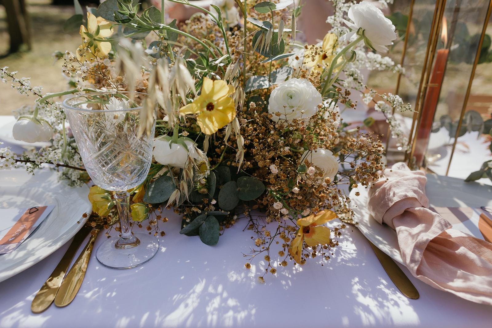 Inspiratie Real Life Wedding Trouwbeleving Online: Trouwen in een kas bij Fletcher Trouwen
